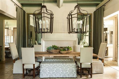 30 Unassumingly Chic Farmhouse Style Dining Room Ideas Farmhouse Dining Room Lighting
