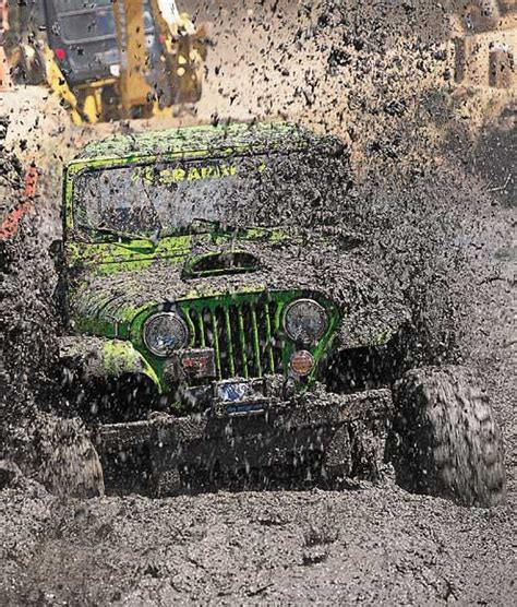 muddy jeep wrangler muddy jeepjpg