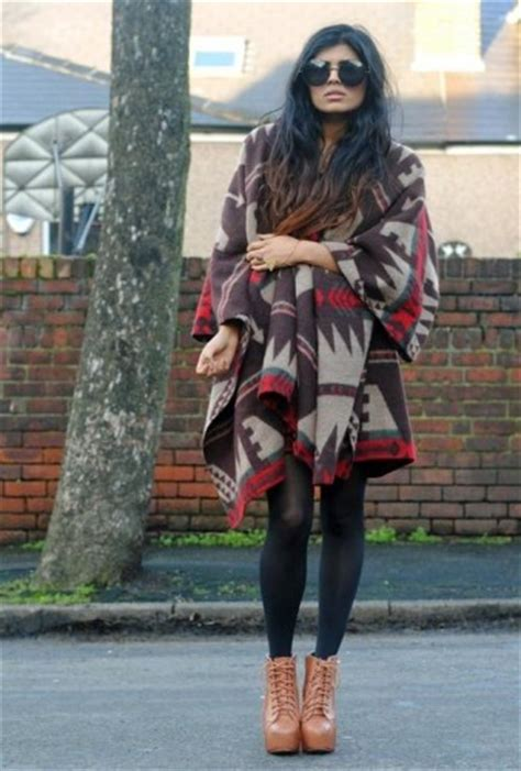 blanket ponchos fashion trends  trendy girls