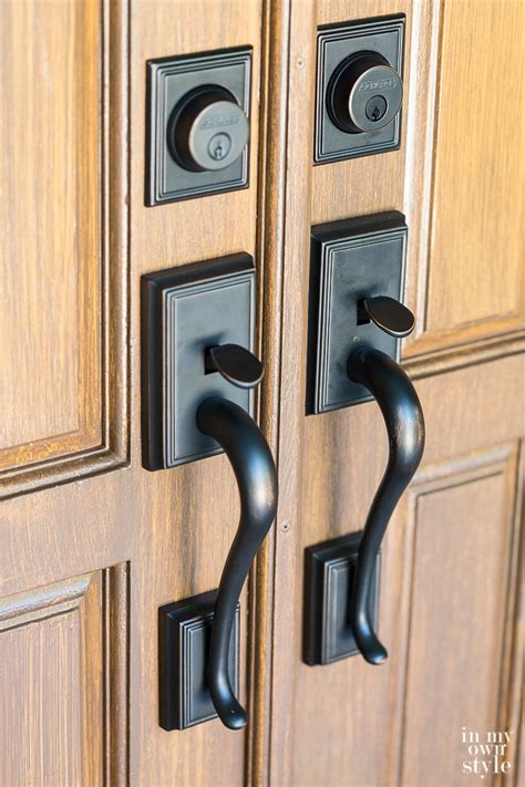 Schlage Exterior Door Hardware Faux Woodgrain Finish On My Front Doors In My Own Style