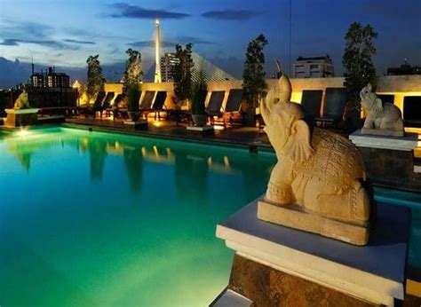best hotels to stay in bangkok best places to stay in bangkok on a budget triphobo