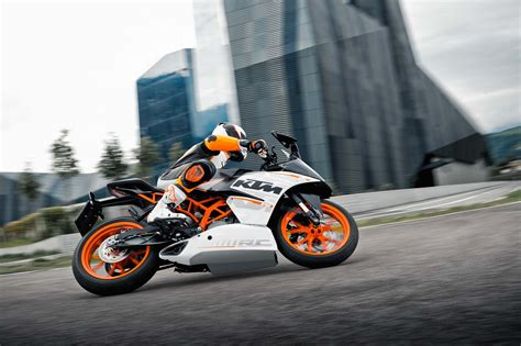 Difference Between Ktm 200 And 390 Ktm Rc 200 Rc 390 Launch Likely Before October 2014