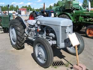 file gralle traktor 12 juli 2005 jpg wikimedia commons