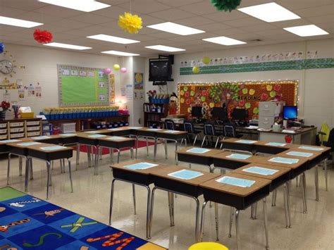 Desk Arrangements by Photo 1 1 Jpg 1 600 215 1 200 Pixels School