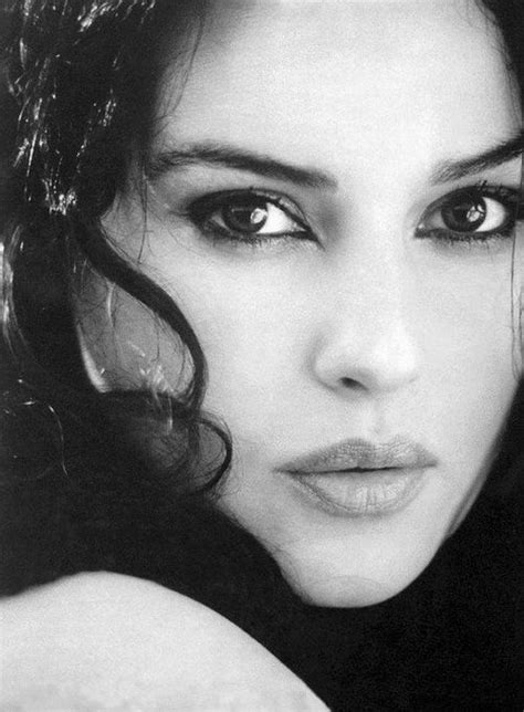 monica bellucci portrait monica bellucci portrait art figure pinterest