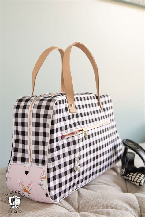 pattern for making a tote bag refreshed retro travel bag sewing pattern the polka dot