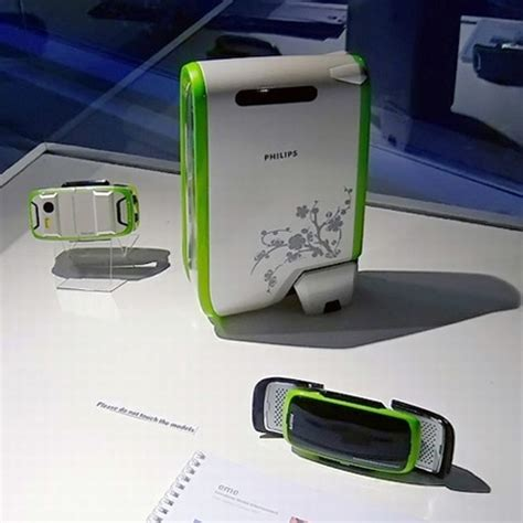 Portable Album In Concept Device by Eme Mobile Device A Portable Console And