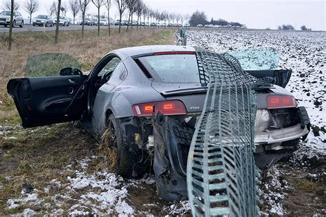 Versicherung F R Geliehene Autos by Teure Probefahrt Audi R8 Geschrottet Bilder Autobild De