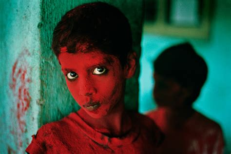 steve mccurry the iconic steve mccurry national geographic photojournalist celebrated in new book and exhibit photos