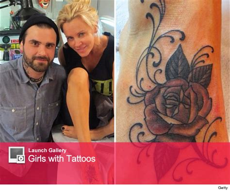 jenny mccarthy tattoo see mccarthy s new foot toofab