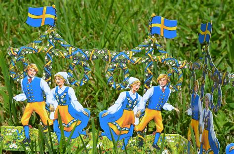 glad midsommar a traveler s photo journal