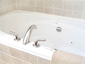 how to remove yellow stains from bathtub benjamin