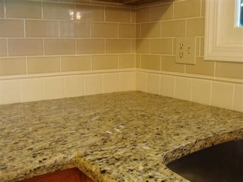 Kitchen Backsplash Ideas With Santa Cecilia Granite 1000 Ideas About Santa Cecilia Granite On Granite Countertops Colors Brown Granite