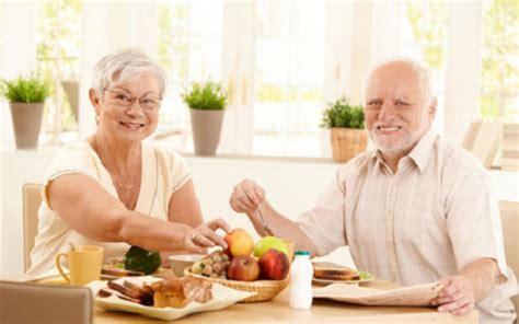 alimentos para diarrea adultos consejos de alimentaci 243 n saludable para el adulto mayor