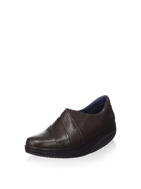 mbt c mbt cheap shop online mbt shoe 700300 118c elea 2 brown