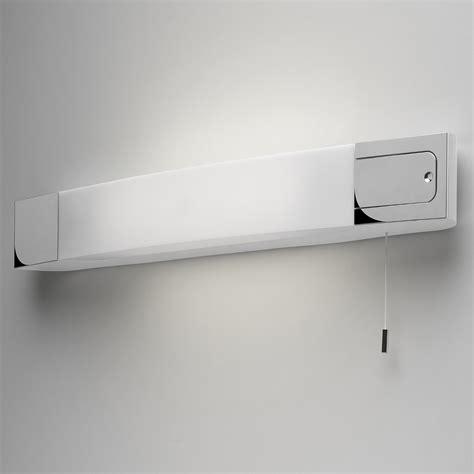 Vanity Light Mit Schalter by Energiesparende Spiegelleuchte Ip44 Mit Rasiersteckdose