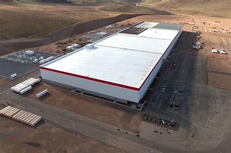drone documents construction progress at tesla s gigafactory