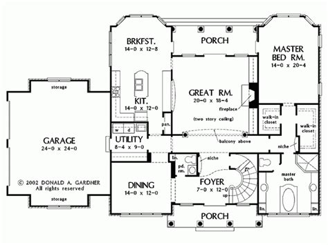 Eplans French Country House Plan   Foyer with Spiral