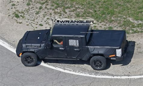 jeep wrangler bed jeep pickup jt spied with production intent bed 2018
