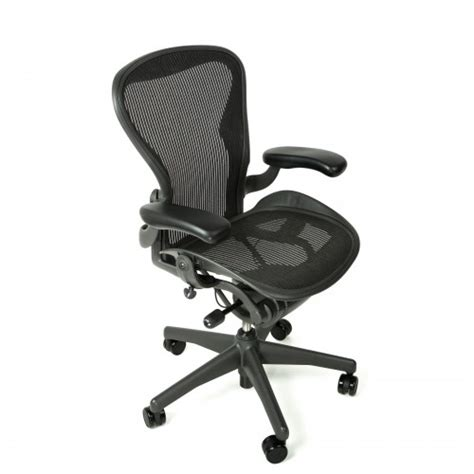 herman miller aeron chair standard classic size  graphite  beverly hills chairs