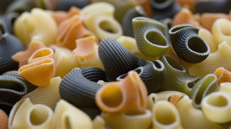 how many cups in a pound of food how many cups are in a pound of pasta reference
