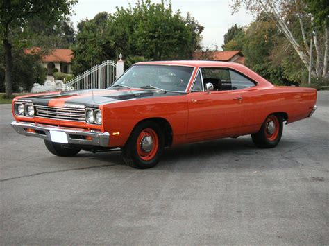 plymouth roadrunner wallpaper 1969 plymouth roadrunner wallpaper wallpapersafari