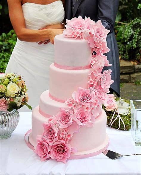 Hochzeitstorte Ombre by Caro S Bakery Hochzeitstorte Mit Ombre