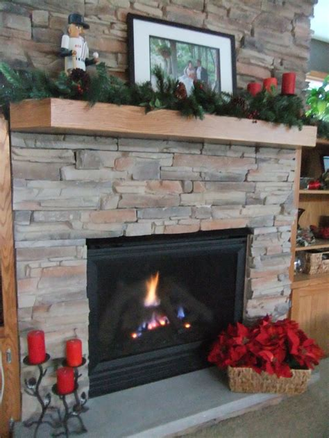 christmas decorations fireplace mantle holiday