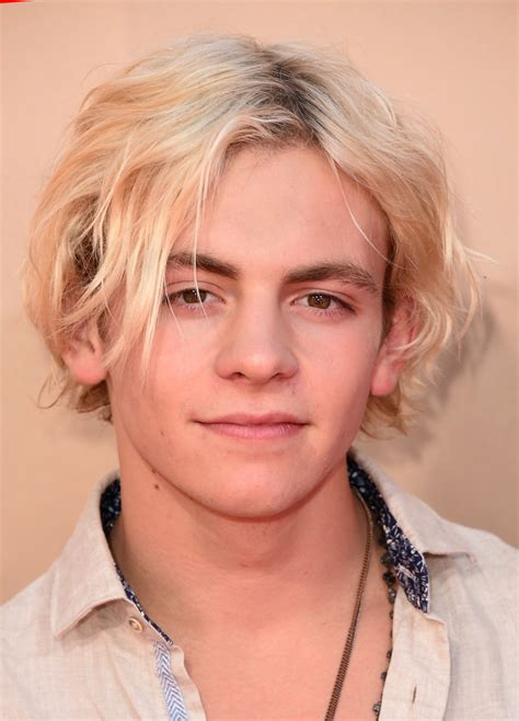 ross lynch new hairstyle ross lynch photos photos 2015 iheartradio music awards