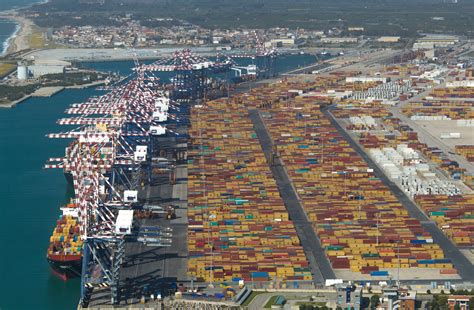 gioia tauro port mct team committed to the challenges of the global