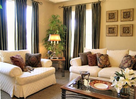warm traditional home traditional living room los