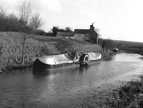 paddle boats history file paddle wheel propelled narrow boat kennet and avon