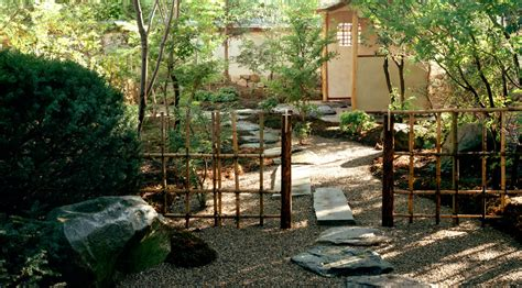 Japanesestyle zen associates traditional japanese gardens