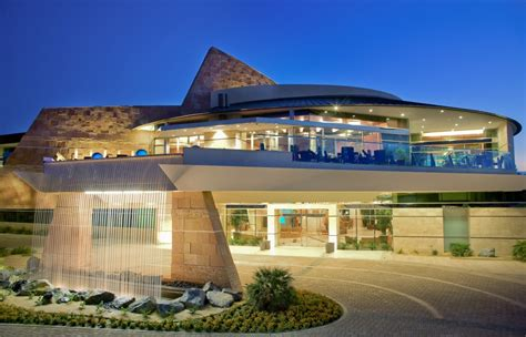cool houses com indian wells golf clubhouse