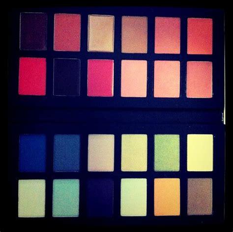 Makeup Kit Viva things that make makeup colours go pop