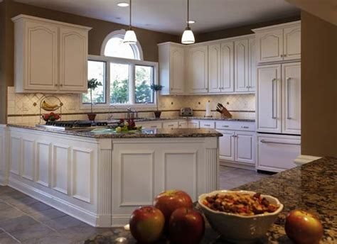 apply the kitchen with the most popular kitchen colors - Paint Colors For White Kitchen Cabinets