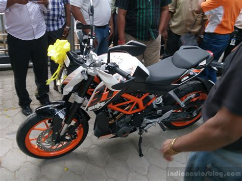 Ktm Bikes Price In Chennai Ktm Duke 390 Launched In Chennai At Rs 1 83 837