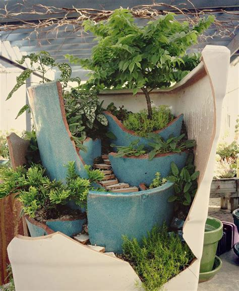 Garden Pots Broken Pots Turned Into Brilliant Diy Gardens