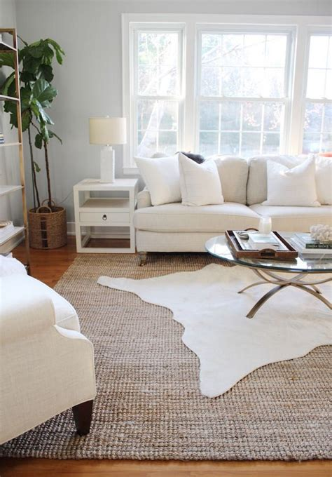 How Big Of A Rug For Living Room by Best 25 Rugs On Carpet Ideas On Living Room