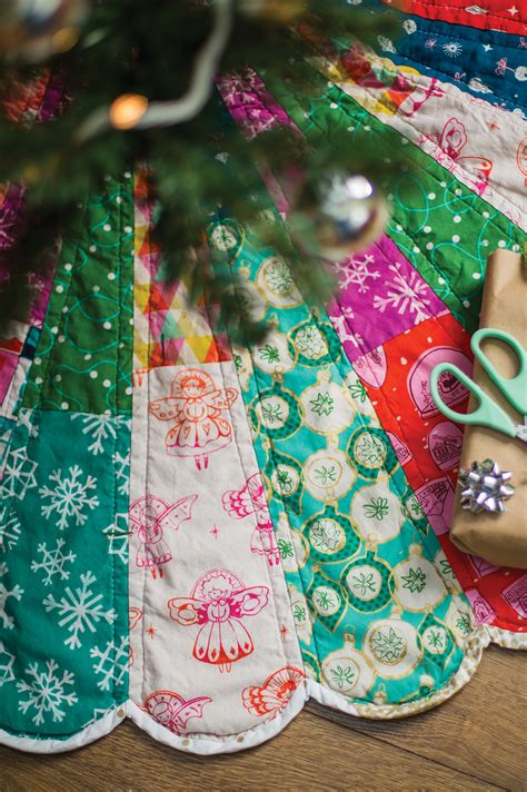 how to make a scalloped tree skirt dresden tree skirt carrie actually by carrie merrell