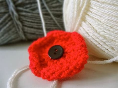poppy knitting pattern free 25 best ideas about knitted poppies on
