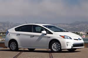 got a new car it new toyota prius 2015 will get a new design model auto