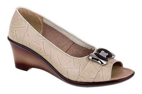 Sepatu Wanita Murah Wedges 5cm Warna Hitam Formal toko sepatu cibaduyut grosir sepatu murah sepatu formal wanita