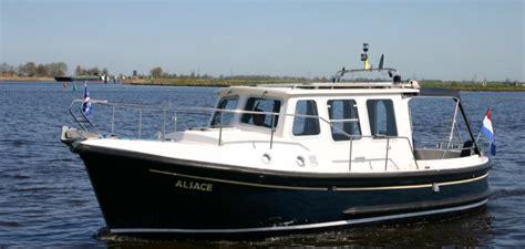 boot motor motorboot kent 27 alsace yachtcharter wetterwille