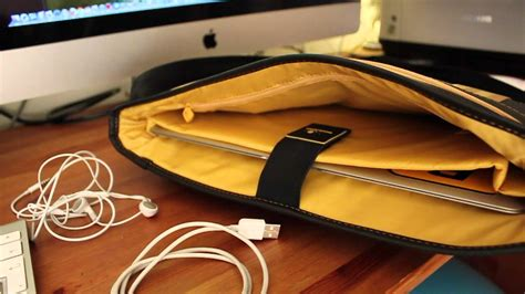 Le Reporter Bag For Macbook by Le Reporter For Macbook Air 13 Quot Messenger Bag Review