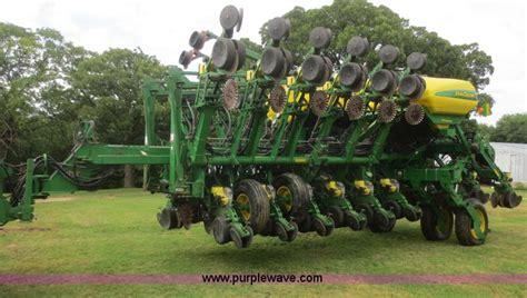 Deere 16 Row Planter by 2006 Deere 1790 16 32 Split Row Planter No Reserve Auction On Wednesday June 25 2014