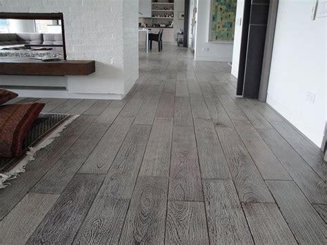 piso madera gris pisos vintage en 2019 casa wood tile floors flooring