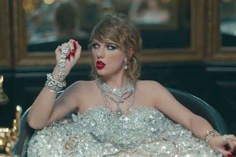 bathtub song taylor swift breaks youtube record for most views in 24