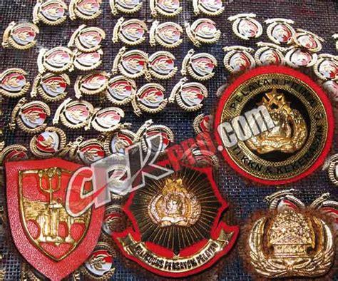Lencana Pol Pp emblem lencana militer tni tentara abri polisi porli
