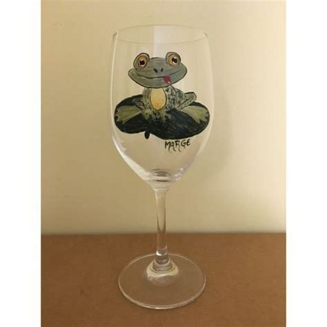 Vero Wine Glasses The Frog Wine Glass Has A Adorable Frog With Big Yellow